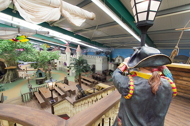 Themed indoor playground - Fairy tale and pirate theme
